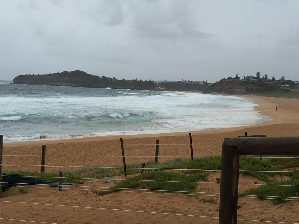 Pláž u domu za deště