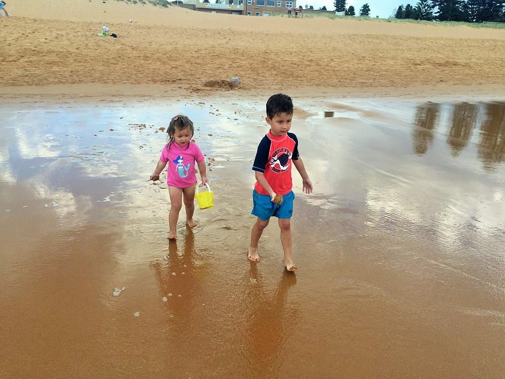 Brigádníci na pláži :-)