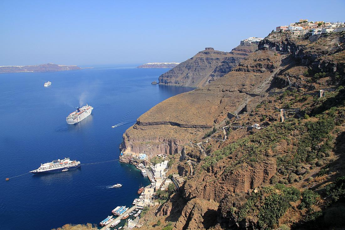 Thira - cesta do přístavu