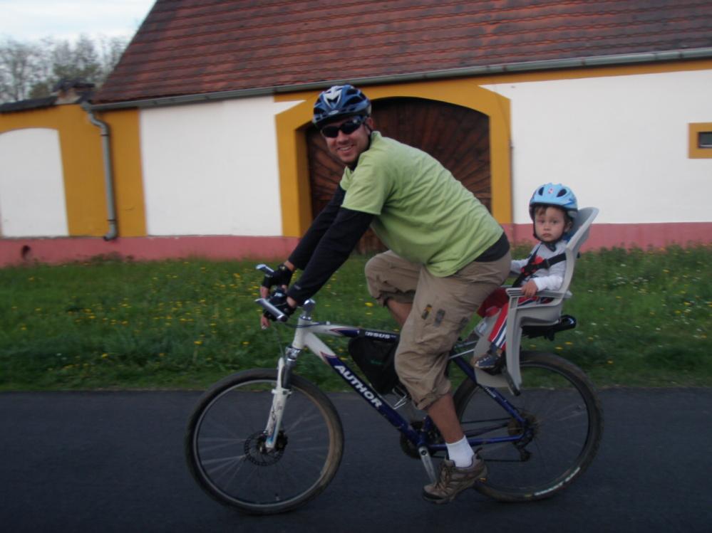 A už fičíme na kole